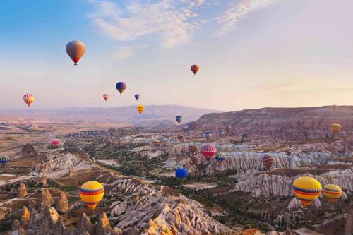 Chỉ có một số lượng nhất định khinh khí cầu được bay mỗi ngày ở Cappadocia.