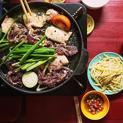 Suất ăn phổ biến ở quán. Ảnh: Phạm Linh.