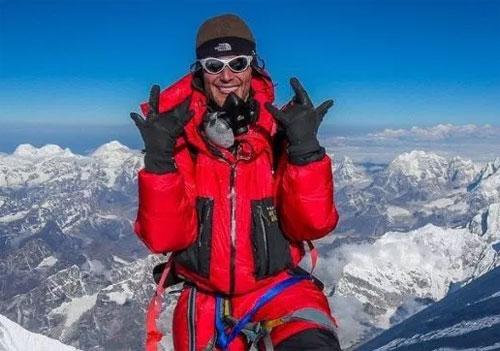 Bước qua xác chết để lên đỉnh - hành trình ám ảnh tại Everest