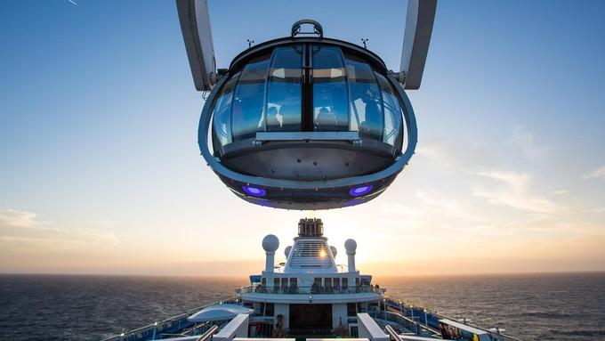 Bên trong siêu du thuyền 940 triệu USD vừa cập bến Việt Nam