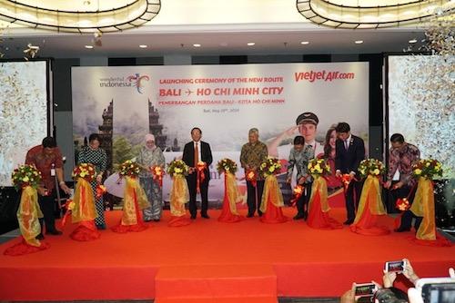 Sự kiện khai trương đường bay mới tổ chức tại Bali (Indonesia).