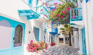 Lý do mọi căn nhà ở Santorini đều sơn màu xanh trắng