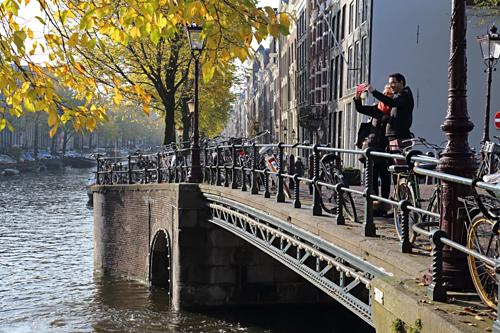 Những cuộc hẹn hò sẽ thêm phần lãng mạn tại Amsterdam. Ảnh:Independent.