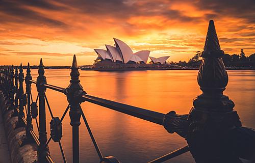 Australia là điểm đến hấp dẫn với nhiều công trình kiến trúc nổi tiếng và thiên nhiên đẹp. Ảnh: Unsplash.