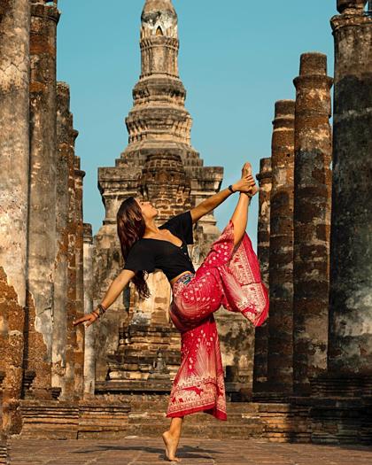 Blogger Canada này tự giới thiệu làmột nghệ sĩ nhảy và huấn luyện viên pilates. Ảnh: Andreita Levin.