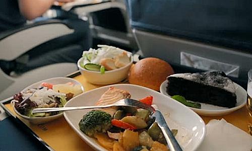 Những món ăn trên máy baymang nhiều hương vị ẩm thực khác nhaukhông chỉ đáp ứng nhu cầu