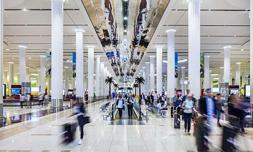 Tham quan du lịch tại sân baytrong thời gian quá cảnh là một lựa chọn hấp dẫn.Từ ẩm thực đến quà lưu niệm và cả những địa điểm tham quan, sân bay quá cảnh sẽ giúp bạn có thêm trải nghiệm độc đáo về một đất nước mới ngoài chuyến du lịch của bạn. Ảnh: Time Out Dubai.
