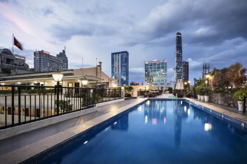 Điểm đến cho người thích bơi lội giữa trung tâm Sài Gòn - ảnh 3