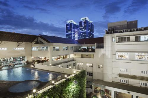 Điểm đến cho người thích bơi lội giữa trung tâm Sài Gòn - ảnh 2