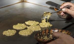 Đặc sản làm từ hàng triệu quả trứng muỗi chỉ có ở Mexico