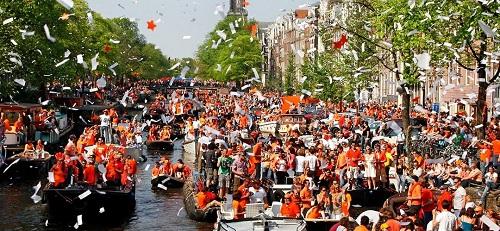 Ngày của vua là lễ hội lớn nhất được tổ chức ở Hà Lan, trước đó là lễ hội Ngày của nữ hoàng (Queens day). Ảnh: Festival Status.