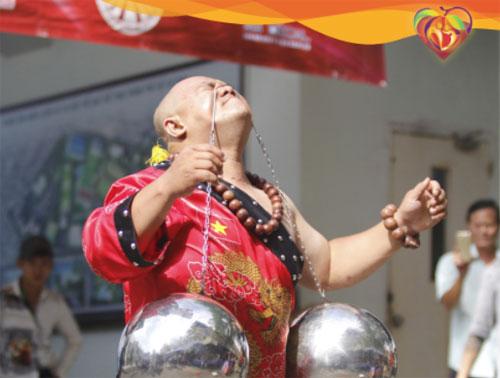 Nguyễn Quang Hiển - Người biểu diễn 24 tiết mục Kungfu liên hoàn trong thời gian ngắn nhất