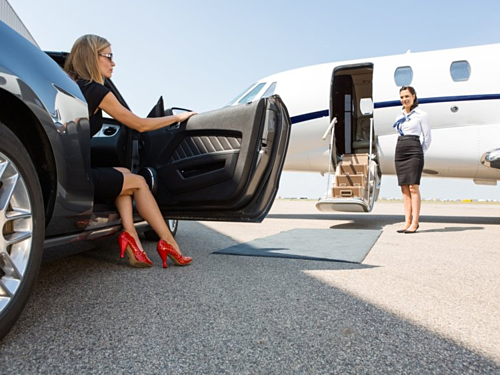 Những khách hàng siêu giàu thường thuê công ty lữ hành cao cấp lo liệu từ A đến Z. Ảnh: Tyler Olson.
