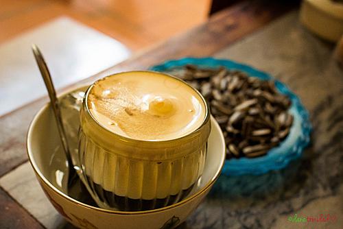 Để uống cà phê trứng ngon ở Hà Nội thực khách có thể tìm tới các quán như Giảng, Đinh, cà phê Phố Cổ... Ảnh: dan trinidad.