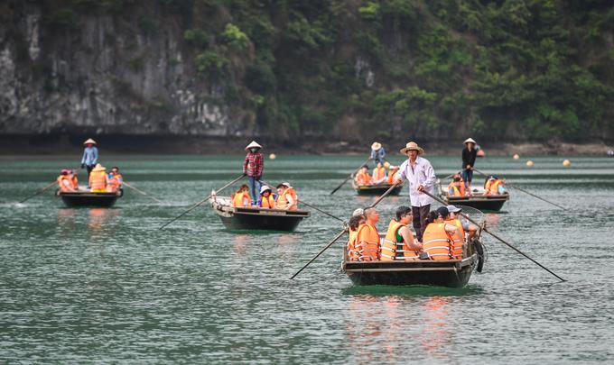 8 trải nghiệm nên thử trên vịnh Lan Hạ