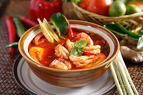 Do đó món ăn này không chỉ là món ăn chỉ riêng ở Thái Lan mà còn có mặt ở Lào, Campuchia, Malaysia... Đây cũng là một trong những món ăn nổi tiếng trên toàn thế giới. Ảnh: Asiatourist.
