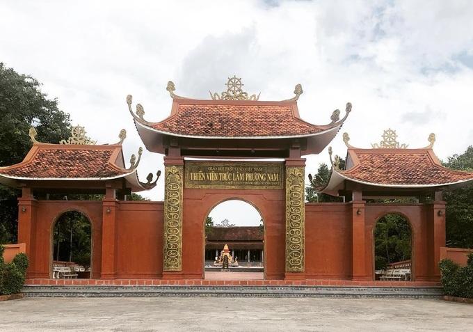 Thiền viện có chùa Một Cột thu nhỏ ở miền Tây