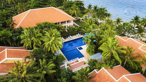La Veranda Resort Phú Quốc - ngôi biệt thự xưa đậm chất cổ điển kiểu Pháp nằm ngay cạnh bãi biển.