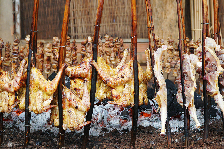 Gà nướng, cơm lam - đặc sản dân dã của núi rừng Tây Nguyên