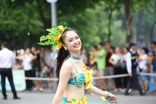 Những khoảnh khắc đẹp trong Carnival đường phố Hà Nội - ảnh 5