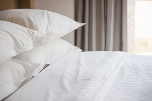Du khách có thể hoàn toàn yên tâm và không cần thiết mang ga trải giường cá nhân khi nghỉ trong khách sạn như trước đây.