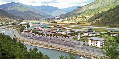 Sân bay Paro quốc tế duy nhất trong bốn phi trường tại Bhutan. Trước đó, đây cũng là sân bay đầu tiên và duy nhất của vương quốc hạnh phúc tính đến năm 2011. Ảnh:Stocks.