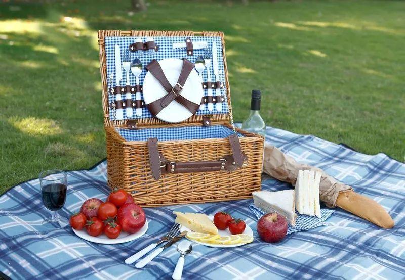 Những món đồ cần mang cho chuyến picnic trong ngày - VnExpress