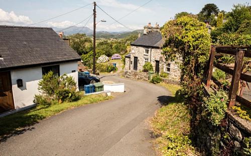 Ffordd Pen Llech dốc hơn 2,5% so với phố Baldwin tại New Zealand - nơi từng được công nhận là con phố dốc nhất thế giới trong hơn một thập kỷ. Ảnh: Freelance Photos North Wales.