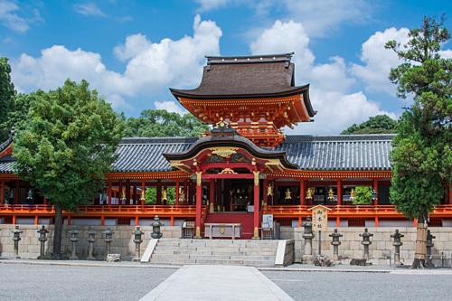 Đền Iwashimizu Hachimangu. Ảnh: Patrick Vierthaler/Flickr.