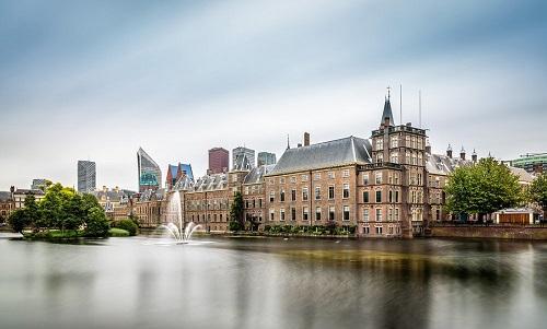 Thành phố The Hague vốn nổi tiếng với không gian thoáng đãng và các tòa nhà cổ. Ảnh: I Am Expat.