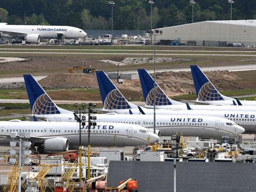 Hành khách bị bắt vì nghi đặt máy quay lén trong toilet máy bay