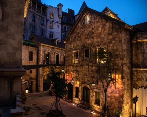 Sun Group làm mới hệ thống chiếu sáng tại làng Pháp giữa Bà Nà - ảnh 3