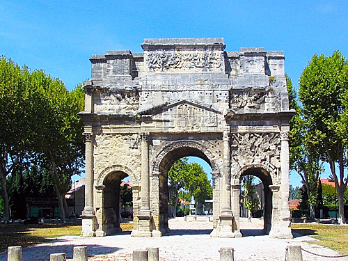 Khải HoànMôn tại quận Orange, miền nam nước Pháp,được coi là phiên bản mini của Khải HoànMôn tại thủ đô Paris. Ảnh: Wiki.
