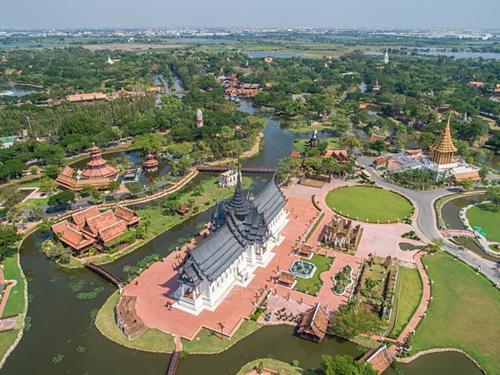 Ancient Siam mô phỏng lại một cách chính xác những địa danh lịch sử văn hóa nổi tiếng nhất của xứ Thái từ lúc sơ khai cho đến nay. Ảnh: Hotel Thailand.