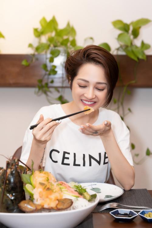 Món sashimi tôm hùm được nghệ sĩ Hồng Vân, Bảo Anh yêu thích - ảnh 3
