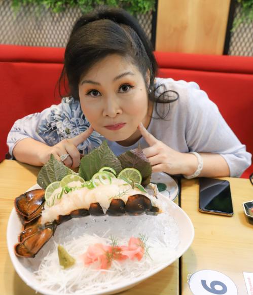 Món sashimi tôm hùm được nghệ sĩ Hồng Vân, Bảo Anh yêu thích - ảnh 2