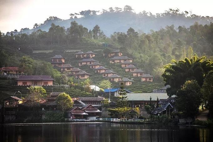 Ngôi làng người Hoa đẹp như tranh vẽ ở Thái Lan