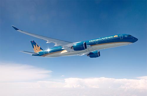 Bước vào mùa du lịch thấp điểm, các hãng hàng không đồng loạt mang đến nhiều chương trình khuyến mãi giá vé máy bay.