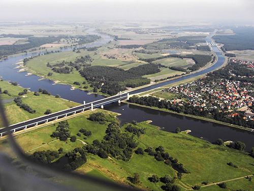 Magdeburg là cây cầu kênh lớn nhất châu Âu, cũng như đường dẫn nước dài nhất trên thế giới. Ảnh: Wikimapia.
