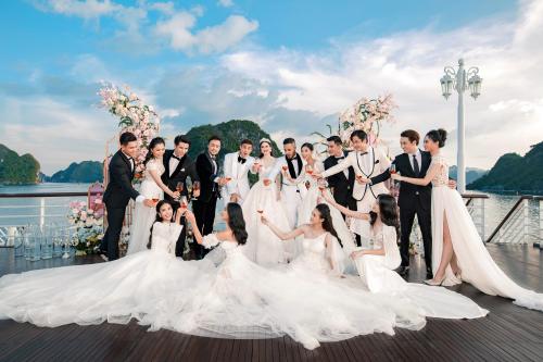 3 tông màu phù hợp với đám cưới trên du thuyền