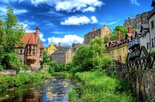Từ Dean của làng xuất phát từDene, có nghĩa là thung lũng sâu. Ảnh: Stuff Edinburgh.