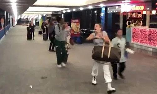 Hành khách hoảng loạn bỏ chạy ở sân bay - ảnh 1