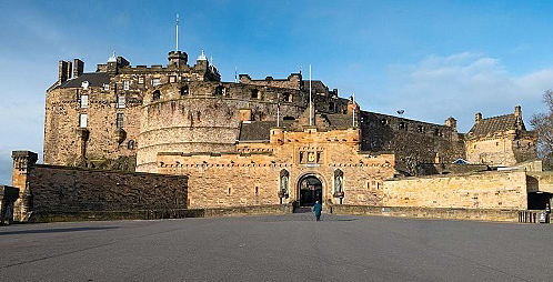 Lâu đài Edinburgh là một trong những pháo đài cổ được bảo quản tốt nhất. Ảnh: Hesprodenin Castle.
