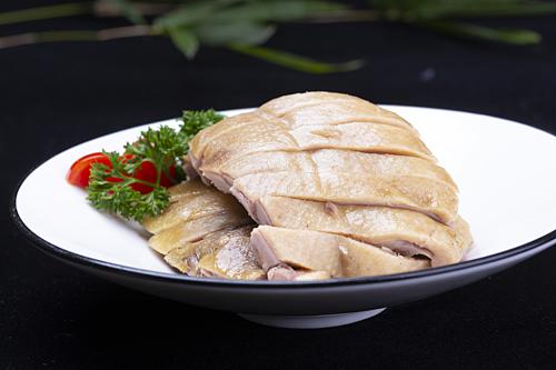 Vịt muối luộc là một đặc sản ở Nam Kinh, tỉnh Giang Tô, miền đông Trung Quốc. Ảnh: VCG.