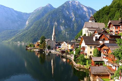 HallStatt - ngôi làng bên hồ đẹp nhất nước Áo. Ảnh: Trip Advisor.