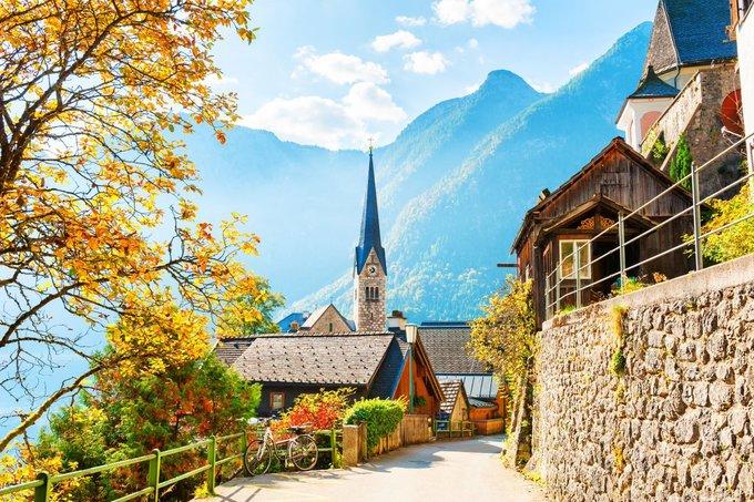 Khung cảnh châu Âu như tranh trong mùa thu