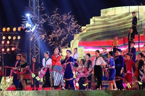 Hàng chục nghìn người dự lễ hội Mường Lò - ảnh 2