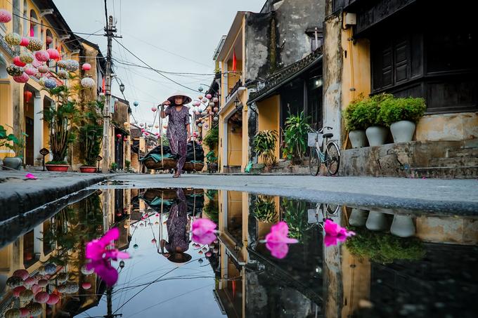 Hội An 'soi bóng' sau mưa