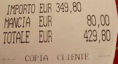 Nhà hàng bị chỉ trích vì bắt khách trả tip cao - ảnh 2