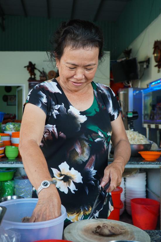 Quán mì 30 năm tự làm sợi ở Hà Tiên